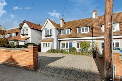 5 bedroom semi-detached house for sale - Upper Brentwood Road, GIDEA PARK