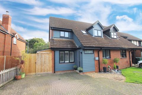 3 bedroom semi-detached house for sale - Jacobs Close, Potton, SG19