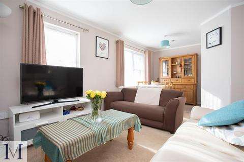 2 bedroom apartment for sale - Nufflield Court, Old Park Mews, Hounslow, TW5