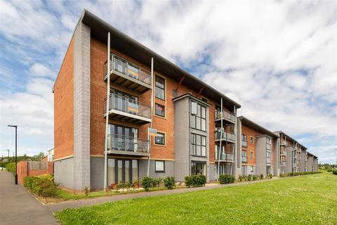 2 bedroom flat for sale - Elmwood Park Court, Great Park, Newcastle Upon Tyne