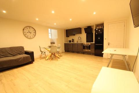 2 bedroom maisonette to rent - The Mall, Clifton, Bristol, BS8 4JG