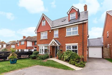 5 bedroom detached house for sale - Whiteley Close, Seaford