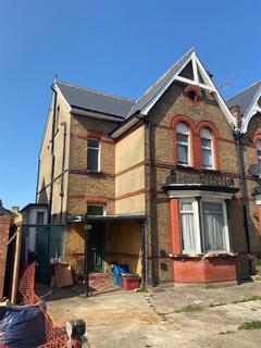 6 bedroom house for sale - Hanworth Road, Hounslow, TW3