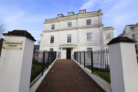 3 bedroom apartment to rent - Wellington Square, Cheltenham, Gloucestershire