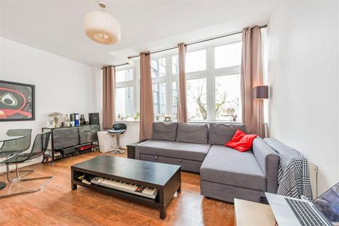2 bedroom flat to rent - Metro Central Heights, Elephant and Castle, SE1