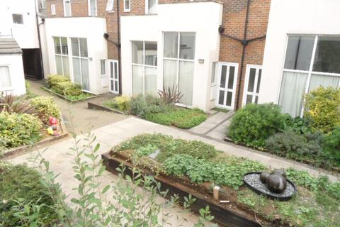 1 bedroom flat to rent - Coopers Mews, Town - Ref:P1532