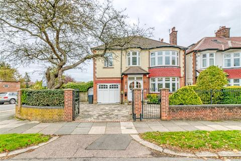 5 bedroom detached house for sale - Green Moor Link, Winchmore Hill
