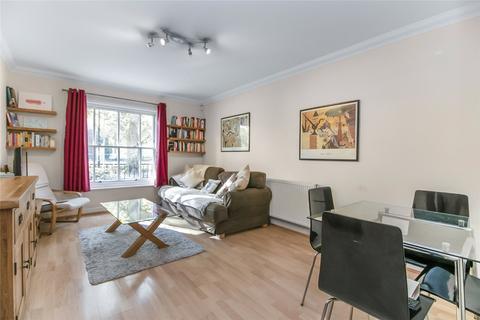 2 bedroom flat for sale - Fraser Court, 1 Brockham Street, London, SE1