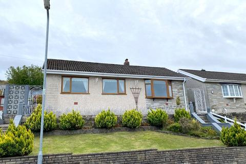 2 bedroom detached bungalow for sale - St. Annes Drive, Tonna, Neath, Neath Port Talbot. SA11 3JU