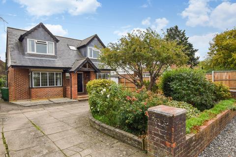 3 bedroom detached bungalow to rent - Huntercombe Lane South, Taplow, Maidenhead, SL6