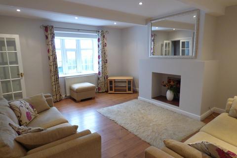 2 bedroom house to rent - Moor Top Road, Low Moor, BD12
