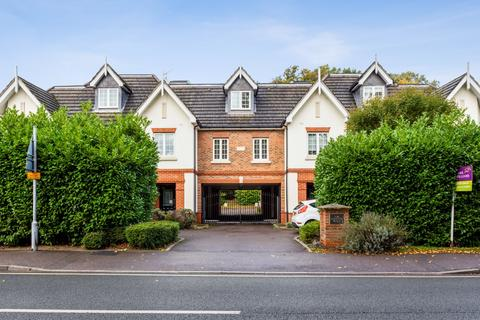 2 bedroom flat to rent - Eastcote Place, Fernbank Road, Ascot