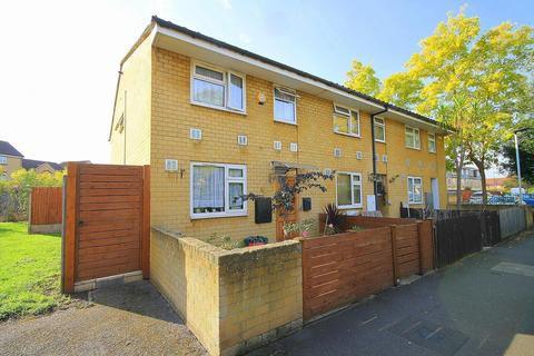 4 bedroom end of terrace house for sale - Eldridge Close, Feltham, TW14