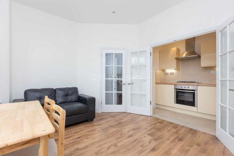 2 bedroom apartment to rent - Westbury Avenue, Turnpike Lane, N22