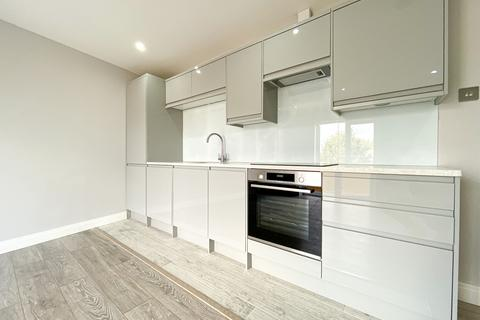 1 bedroom flat for sale - 44 Bournemouth Close, London, SE15