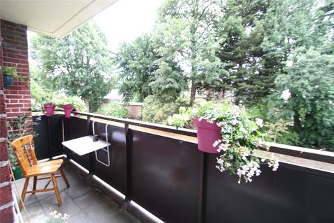 4 bedroom apartment to rent - Holmside Court, Nightingale Lane, London, SW12