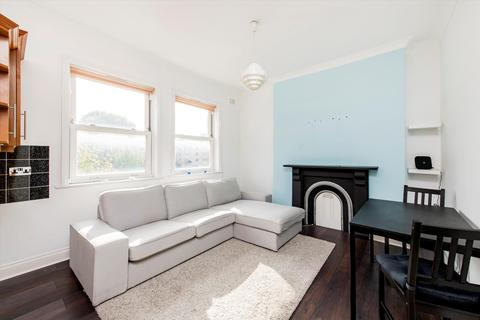 2 bedroom flat for sale - Victoria Road, London, NW6