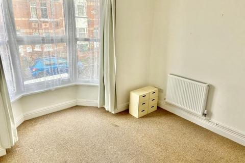 1 bedroom flat - Flat 2, 57  Southview Road, Weymouth