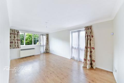 2 bedroom apartment for sale - Jarret House, Bow Road, London E3