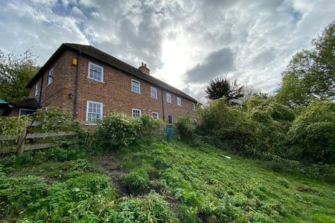 3 bedroom semi-detached house to rent - Gossy Hill, Wormshill, Sittingbourne ME9