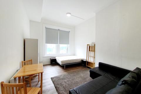 Studio to rent - Warspite Road, Studio 8, London, SE18