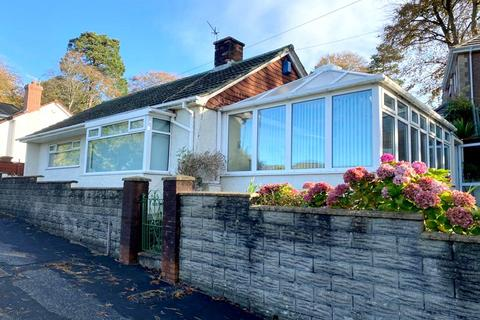 2 bedroom detached bungalow for sale - Penywern Road, Neath, Neath Port Talbot. SA10 7AN