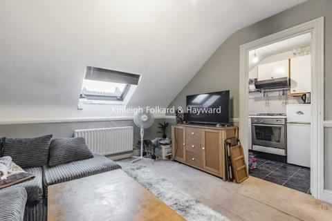 1 bedroom flat to rent - Gilbey Road London SW17
