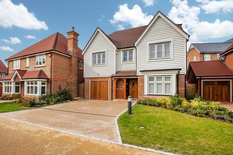4 bedroom detached house for sale - River Walk, Horsham