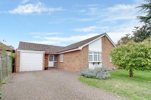 3 bedroom bungalow for sale - Kenton Road, Earley