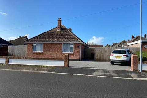 3 bedroom detached bungalow for sale - Littleview Road, Weymouth