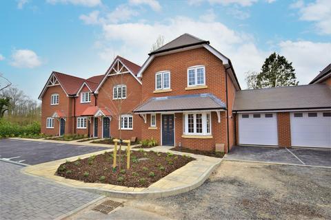 3 bedroom link detached house for sale - Ash, Surrey