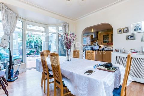 4 bedroom semi-detached house for sale - North Circular Road, Palmers Green N13