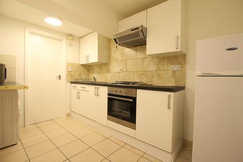 3 bedroom flat to rent - West Green Road Seven Sisters N15
