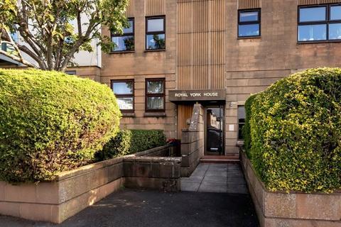 2 bedroom apartment - Royal York Villas, Clifton