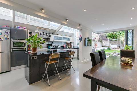 5 bedroom semi-detached house for sale - Sarsfeld Road, London, SW12