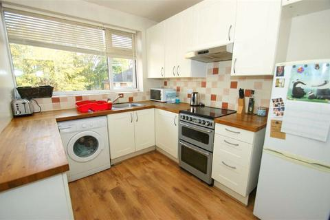 1 bedroom flat to rent - Princes Court, Moortown, LS17