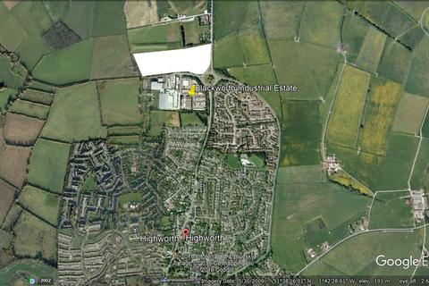 Land to rent - Lechlade Road, Highworth, Swindon, SN6