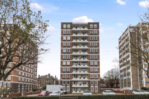 2 bedroom flat for sale - Warnham Court, Grand Avenue, Hove, East Sussex