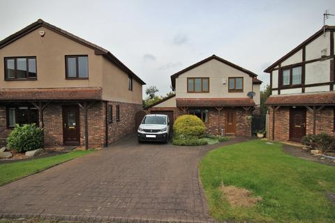 4 bedroom detached house for sale - Henley Court, Runcorn, WA7