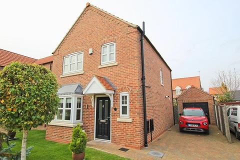 3 bedroom detached house - Priory Close, Nafferton, Driffield