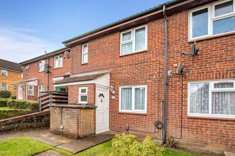1 bedroom ground floor maisonette for sale - Hawthorn Walk, Tunbridge Wells, TN2