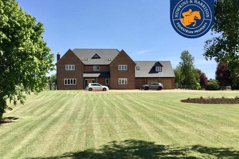4 bedroom equestrian property for sale - Ferndown, Red House Lane, Hannington, Northampton