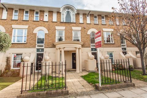 4 bedroom terraced house for sale - Eaton Terrace, E3