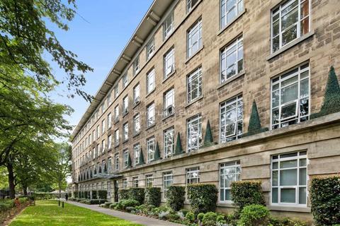 2 bedroom apartment to rent - Bromyard Avenue, Acton, W3 7BS