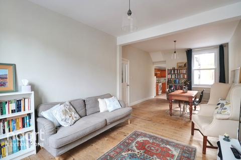 3 bedroom terraced house for sale - Cann Hall Road, Leytonstone