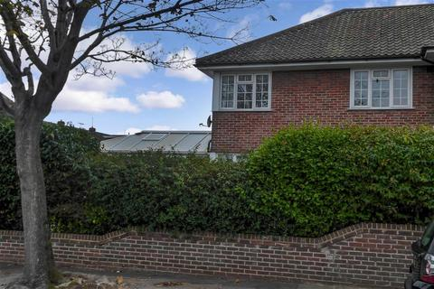 2 bedroom ground floor flat for sale - Southview Drive, Worthing, West Sussex