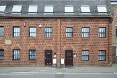 3 bedroom apartment for sale - Charnwood Court, Newport Street, Old Town, SN1