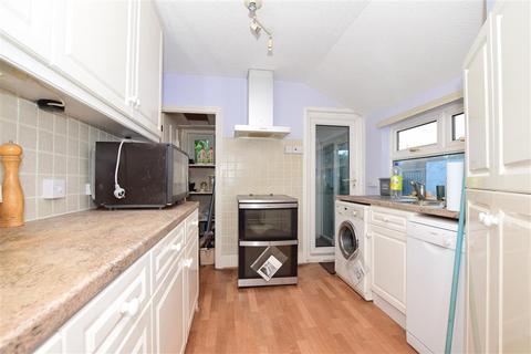 3 bedroom terraced house for sale - Park Avenue, Maidstone, Kent