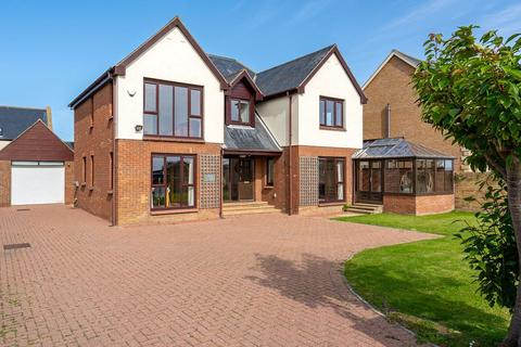 4 bedroom detached house for sale - Dormie Lodge, South Lane, North Sunderland, Seahouses, Northumberland