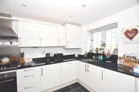 3 bedroom link detached house for sale - Greenhurst Drive, East Grinstead, West Sussex